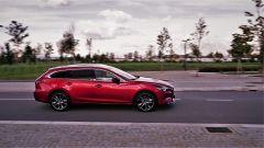Mazda 6 Wagon 2.2 Skyactive-D AWD automatica: vista laterale