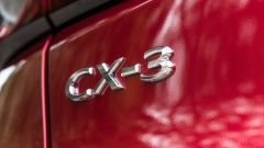 Mazda CX-3 Model Year 2021: l'effige sul portellone posteriore