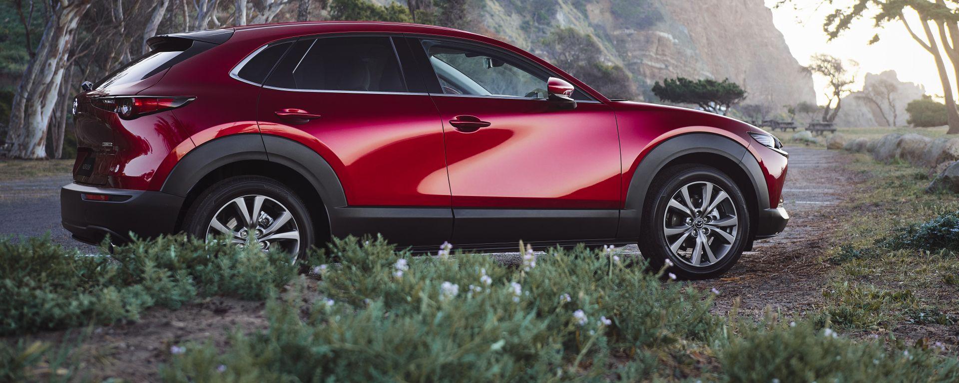 Mazda CX-30 2021: laterale