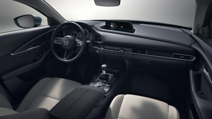 Mazda CX-30 2021: scorcio degli interni