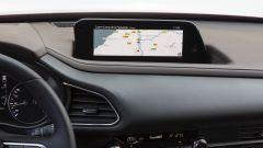 Mazda CX-30 Skyactiv-G 150 CV: il display a centro plancia con integrato il sistema MZD Connect