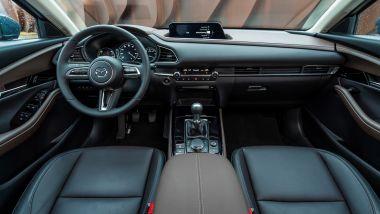 Mazda CX-30 Skyactiv-G 150 CV: l'abitacolo del SUV compatto giapponese