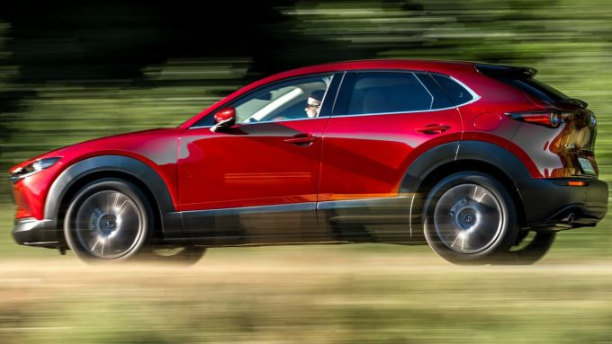 Mazda CX-30 Skyactiv-X: guida dinamica e piacevole