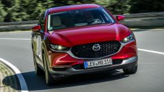 Mazda CX-30 vista anteriore dinamica