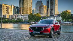 Mazda CX-30: visuale frontale