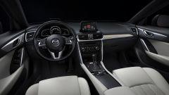 Mazda CX-4: un head-up display mostra le informazioni utili in viaggio