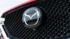 Mazda CX-5 .2 Skyactiv-D Exclusive AWD: dettaglio della calandra