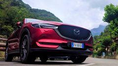Mazda CX-5 .2 Skyactiv-D Exclusive AWD sulle montagne sopra Lecco