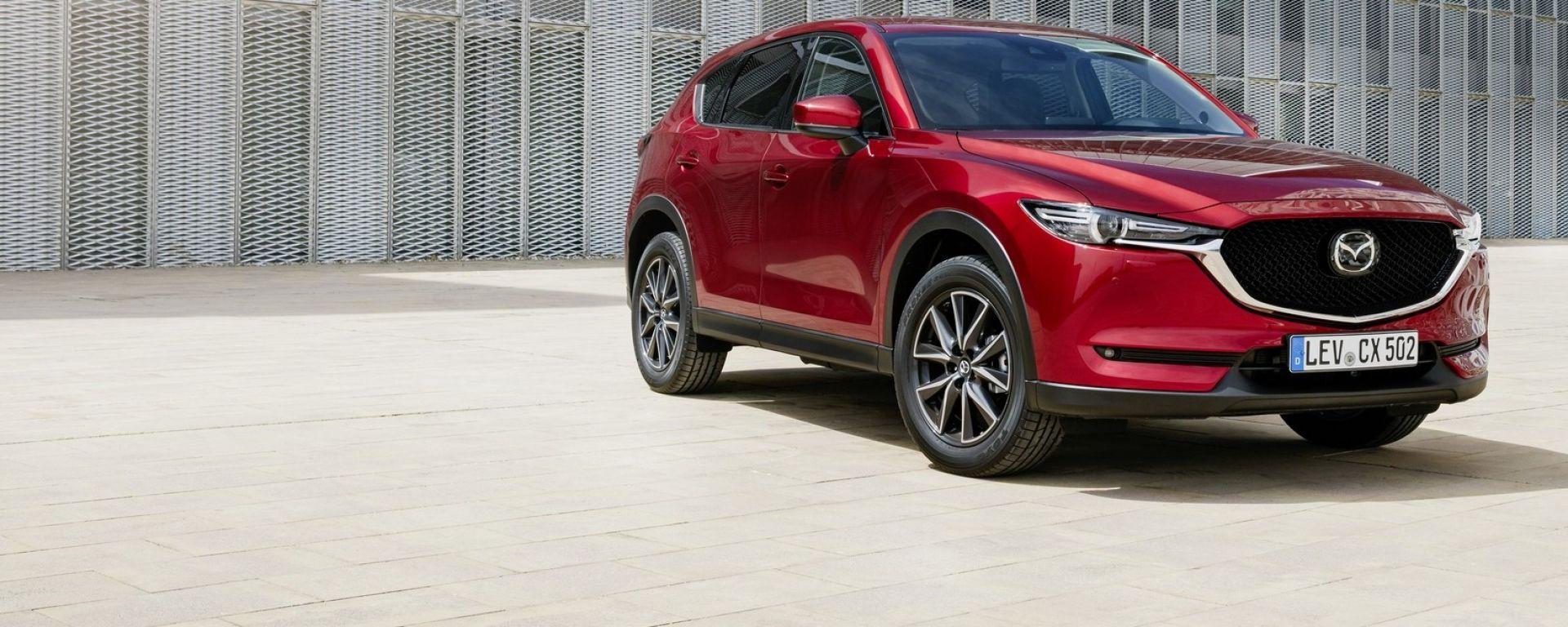 Mazda CX-5 2018, motori più efficienti, dotazioni più ricche