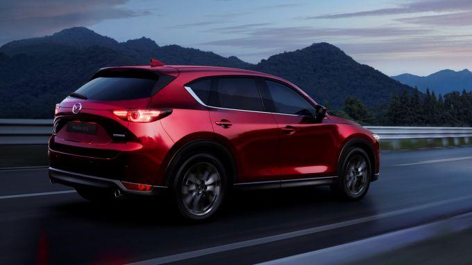 Mazda CX-5 2020: 3/4 posteriore