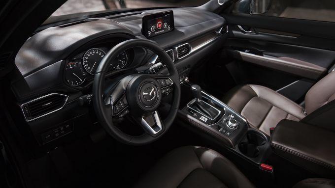 Mazda CX-5 2020, gli interni