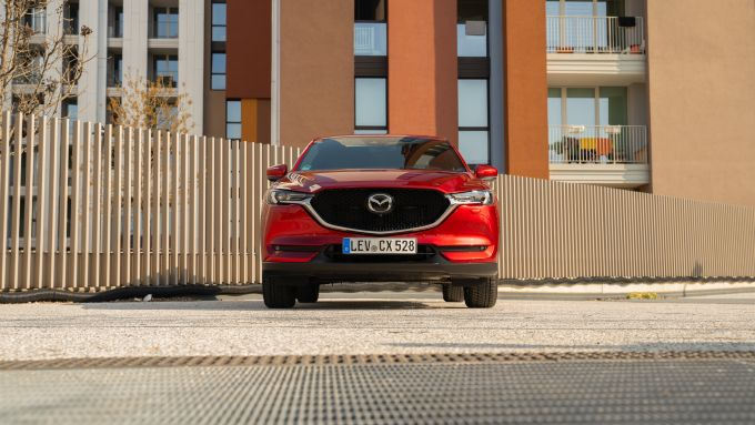 Mazda CX-5 2021: frontale