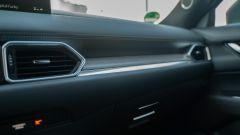 Mazda CX-5 Model Year 2021: dettaglio della plancia