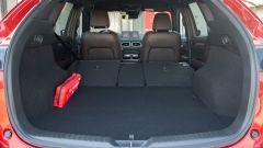 Mazda CX-5 Model Year 2021: il vano con divanetto reclinato