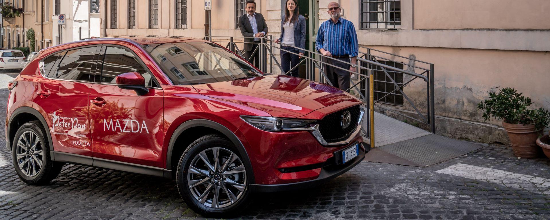 Mazda CX-5 nuova compagna dell'Associazione Peter Pan