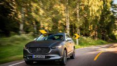 Mazda e-tpv il Suv CX-30 elettrico: una vista della vettura in movimento