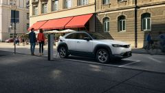 Mazda MX-30 2020: vista 3/4 anteriore