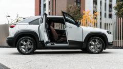 Mazda MX-30: portiere con apertura ad armadio