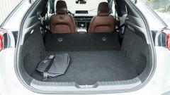 Mazda MX-30: vano di carico con divanetto reclinato