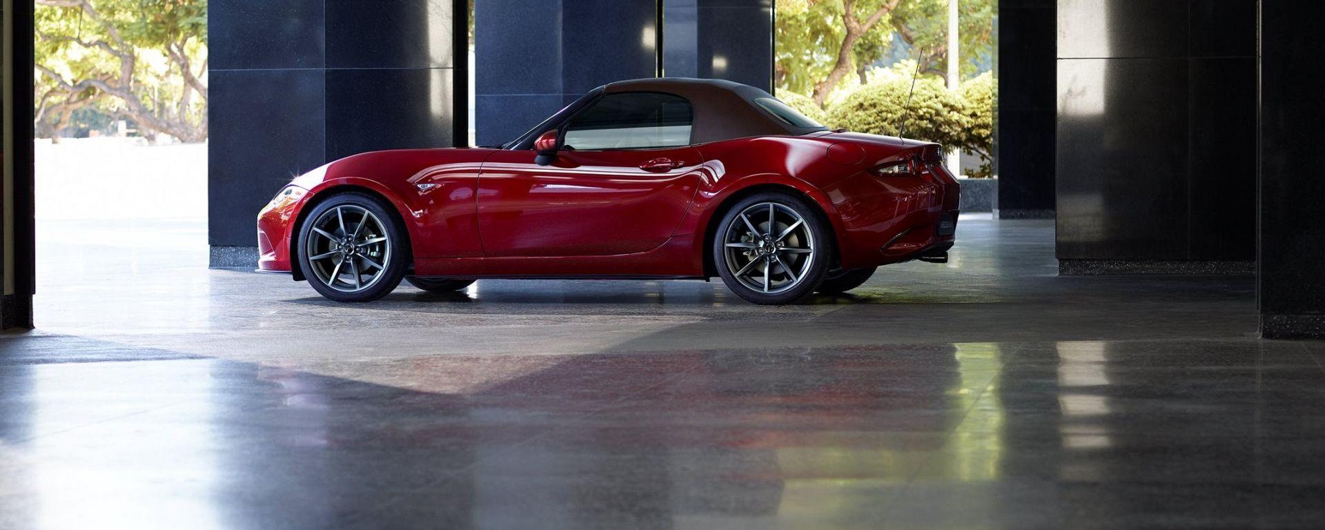 Mazda MX-5 2019: vista laterale