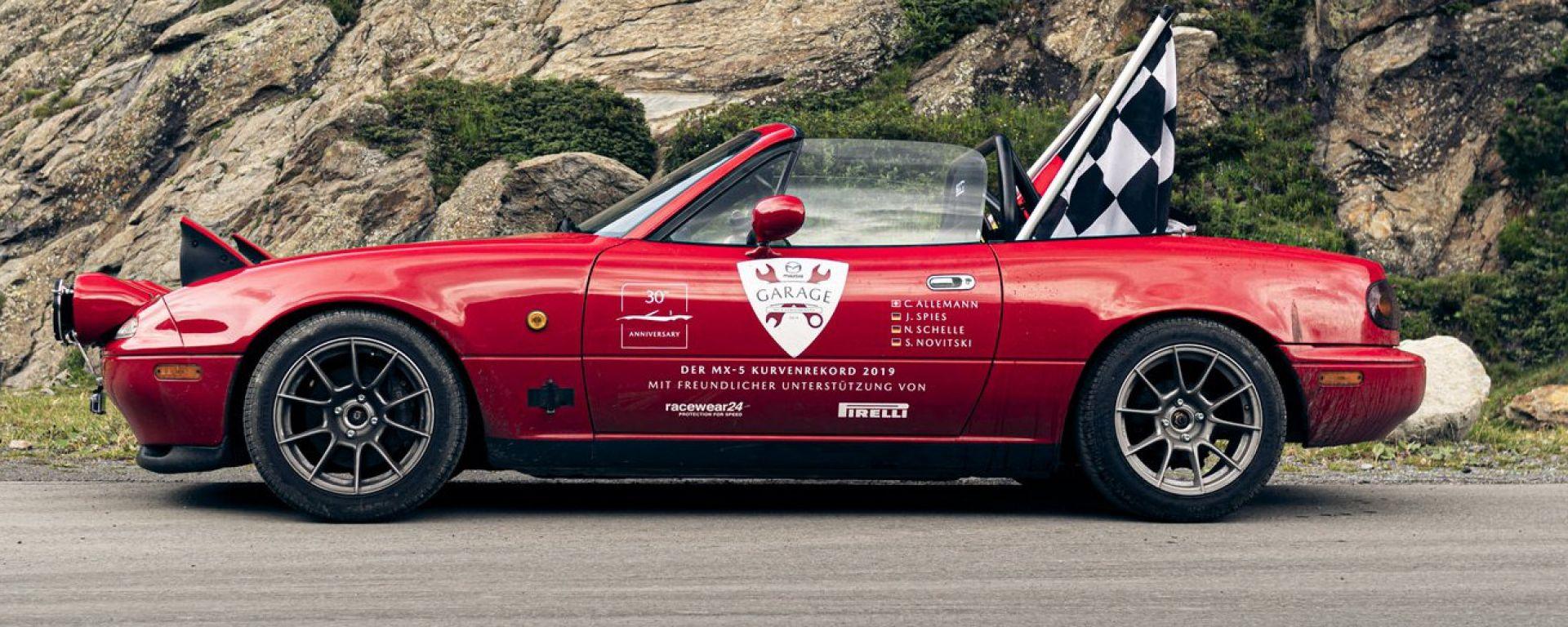 Mazda MX-5: nuovo record per i suoi 30 anni. La sfida