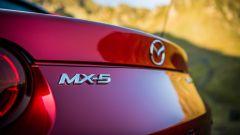 Mazda MX-5 RF 2019 vista dettaglio posteriore