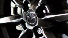 Mazda MX-5 RF vs. Subaru BRZ 2017: dettaglio del cerchio Mazda