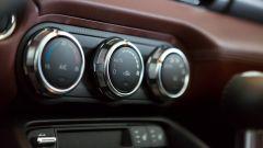Mazda MX-5 RF vs. Subaru BRZ 2017: i comandi clima Mazda