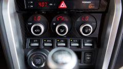 Mazda MX-5 RF vs. Subaru BRZ 2017: i comandi clima Subaru