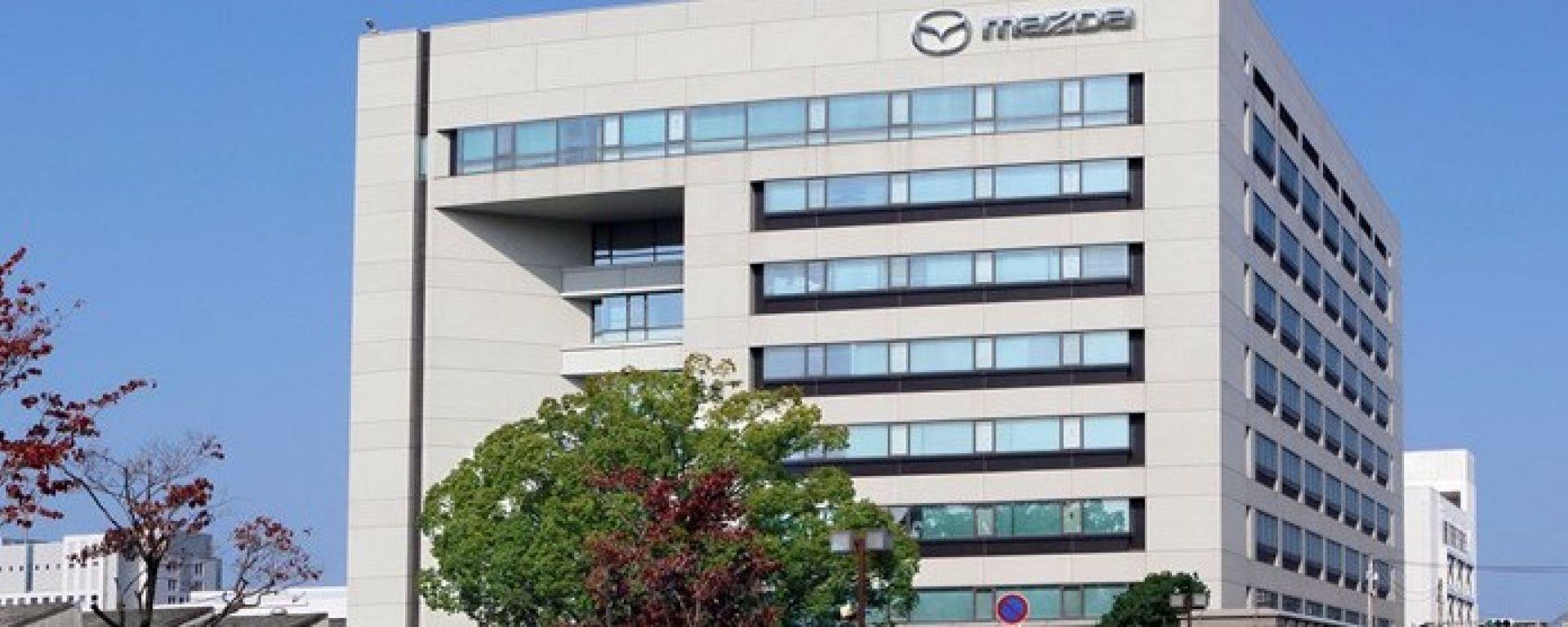 Mazda: nel 2019 i motori con tecnologia Skyactiv-X e poi gli elettrici