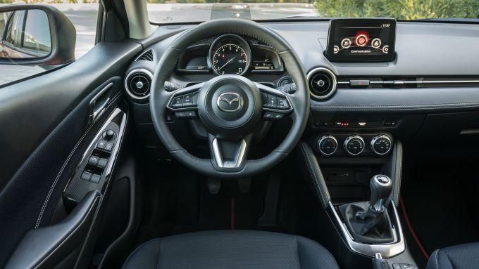 Mazda2 2020 interni