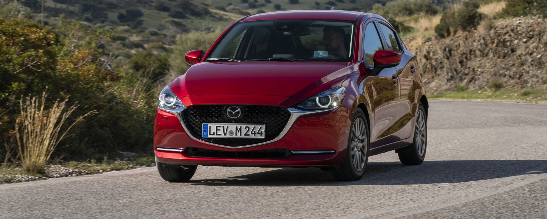 Mazda2 2020 vista 3/4 anteriore