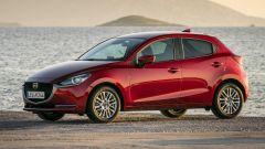 Mazda2 2020 vista anteriore statica