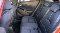 Mazda2 2020 vista divano posteriore