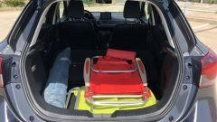 Mazda2 Skyactiv-G M Hybrid: bagagliaio con schienali abbattuti