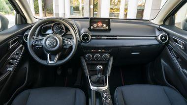Mazda2 Skyactiv-G M-Hybrid: l'abitacolo