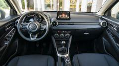 Mazda2 Skyactiv-G M Hybrid: l'abitacolo