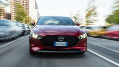 Mazda3 2.0 Skyactiv G M Hybrid Exclusive, il frontale