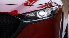 Mazda3: dettaglio dei proiettori LED
