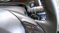 Mazda3 SkyActive-D 1.5 diesel: i comandi al volante del cambio automatico