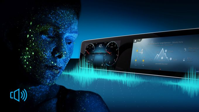 MBUX, l'infotainment di Mercedes si aggiorna e dà del tu al conducente