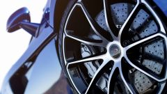 McLaren 570S Spider: i cerchi in lega anteriori misurano 19 pollici