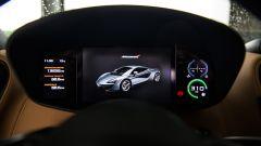 McLaren 570S, strumentazione