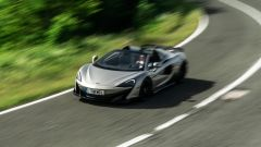 McLaren 600LT Spider: prova video, prezzo, scheda tecnica
