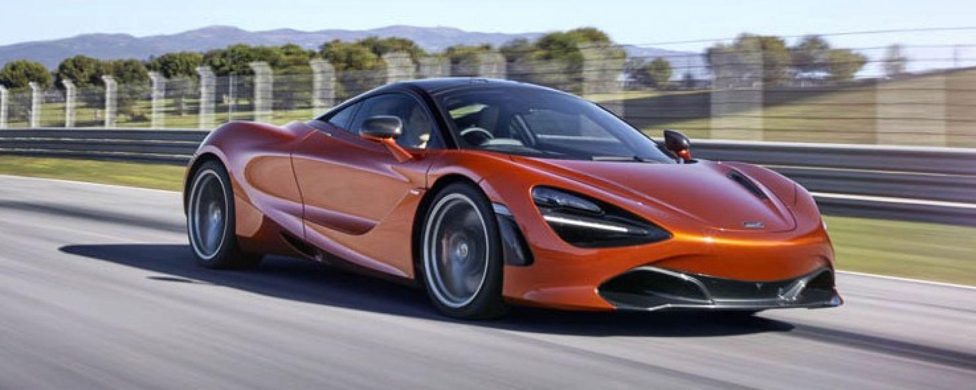 McLaren 720S in azione (2)