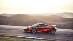 McLaren 720S in azione (5)