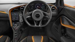 McLaren 720S particolare del cruscotto