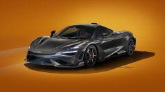 McLaren 765 LT: la velocità massima è di 330 km/h, unico parametro in cui è inferiore alla 720S (da 341 all'ora)