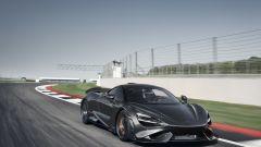 McLaren 765LT: peso piuma di 1.229 kg a secco