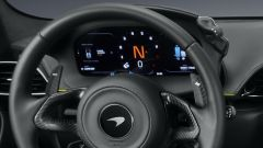 McLaren Artura: il cruscotto solidale col volante
